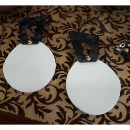 Σκουλαρίκια pelxi glass άσπρο μαύρο